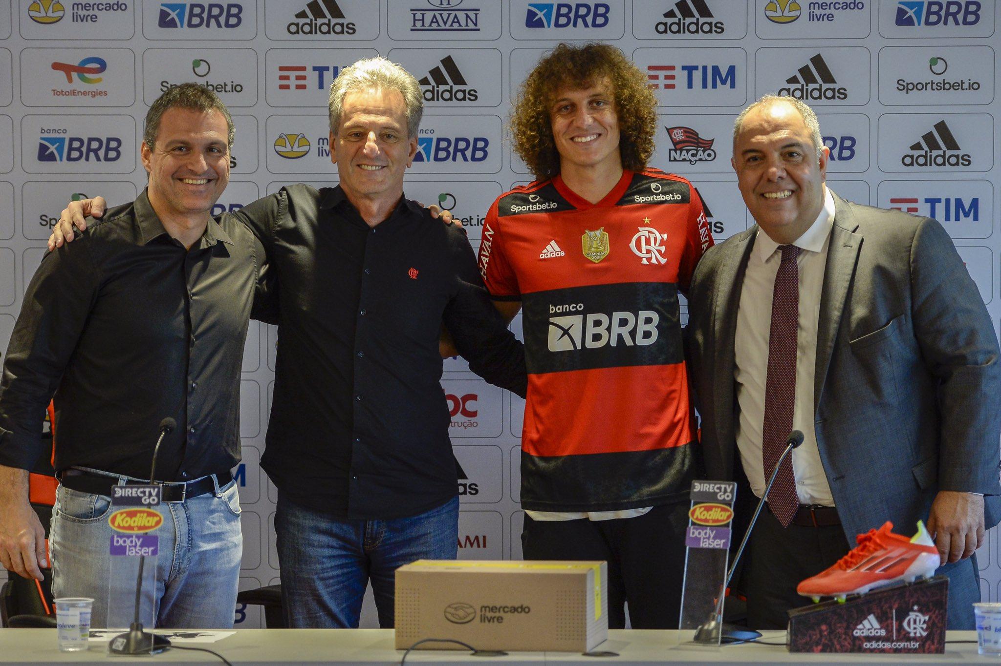 David Luiz é apresentado oficialmente pelo Flamengo, no CT do Ninho do Urubu
