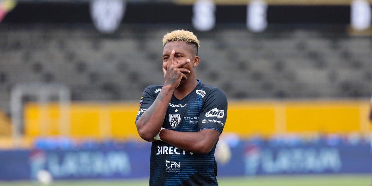 John Sanchez comemora gol pelo Del Valle