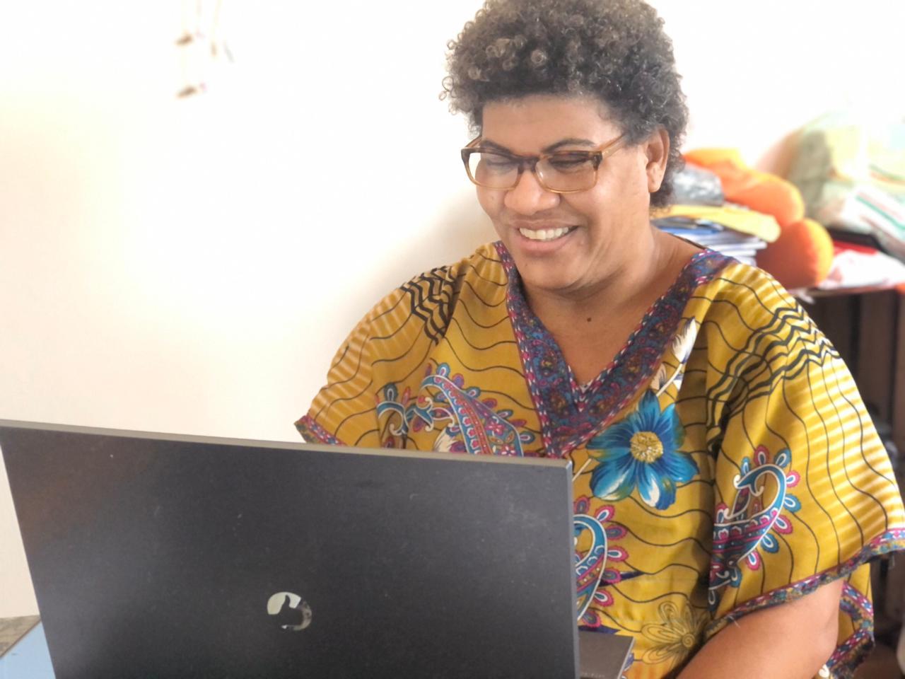 Elisangela Alves dos Santos, de 48 anos, estudante de Ciências Sociais