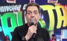 Fausto Silva no palco do Domingão