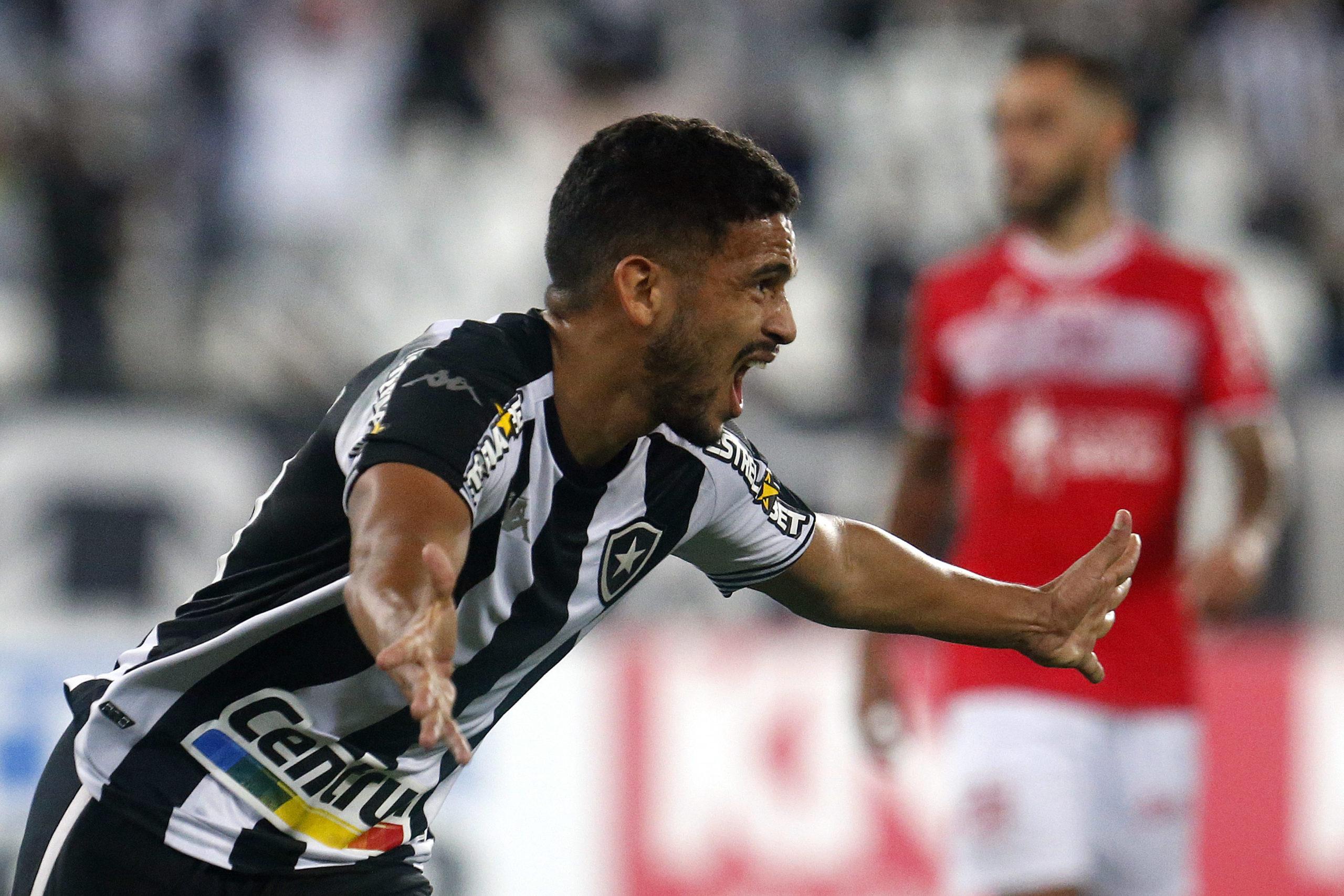 Botafogo vence o CRB por 2 a 0 pela Série B