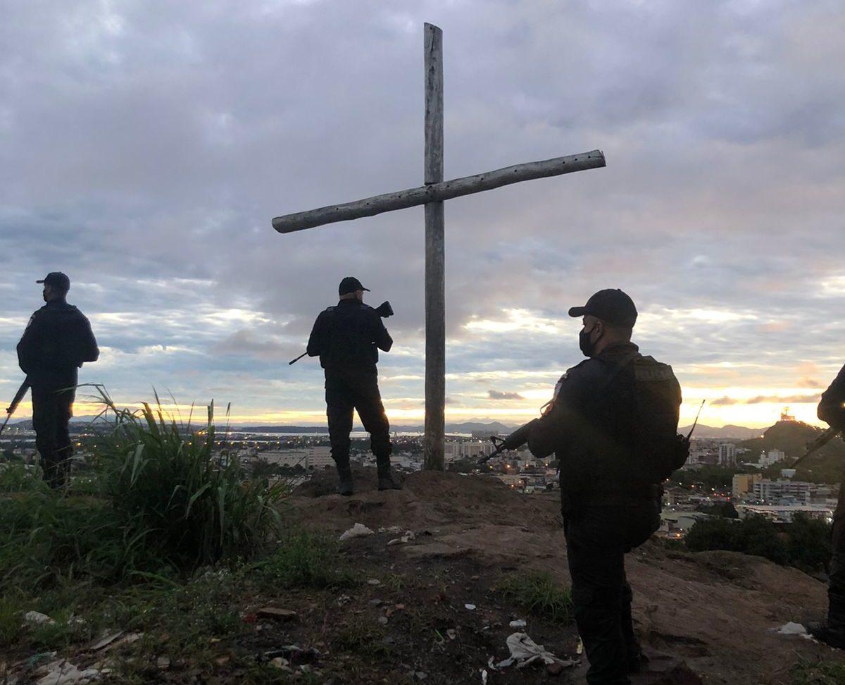 Policiais militares em Brás de Pina