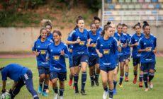Cruzeiro testa time feminino para Covid-19 antes de retorno