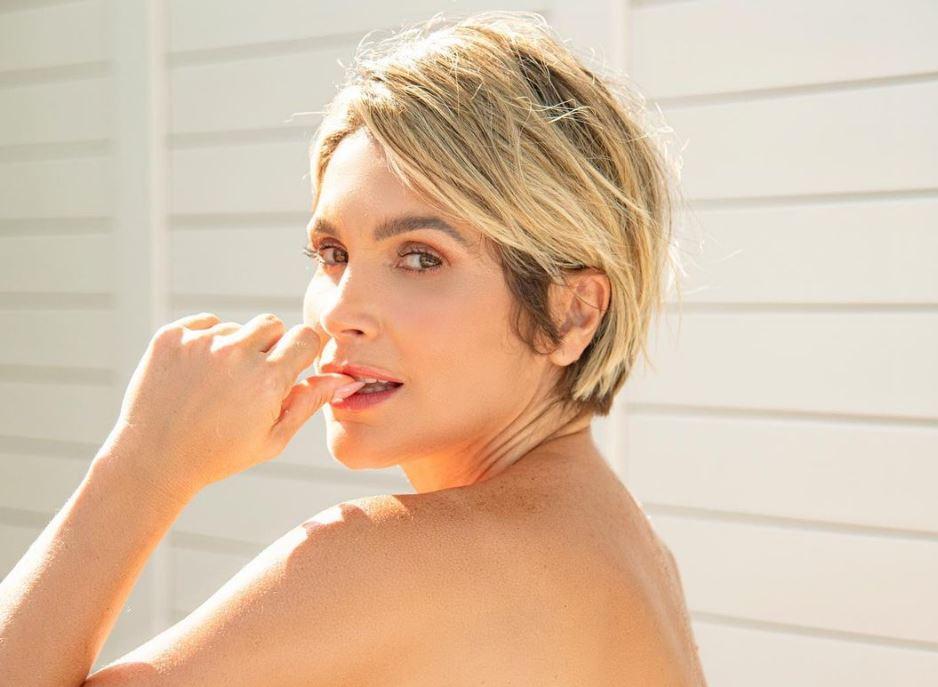 Foto sensual de Flávia Alessandra
