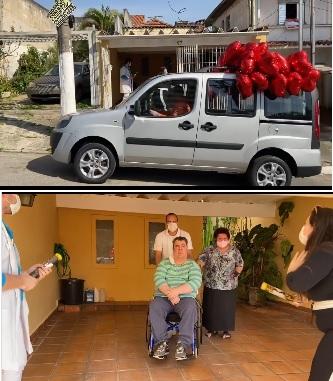 Filha entregando o carro adpatado para o ator Gerson Brenner