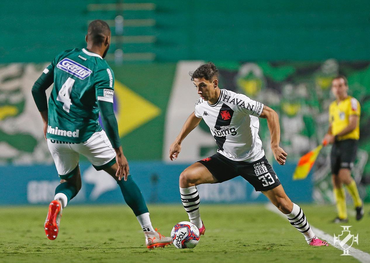 Sarrafiore em atuação pelo Vasco na derrota para o Goiás pela Série B