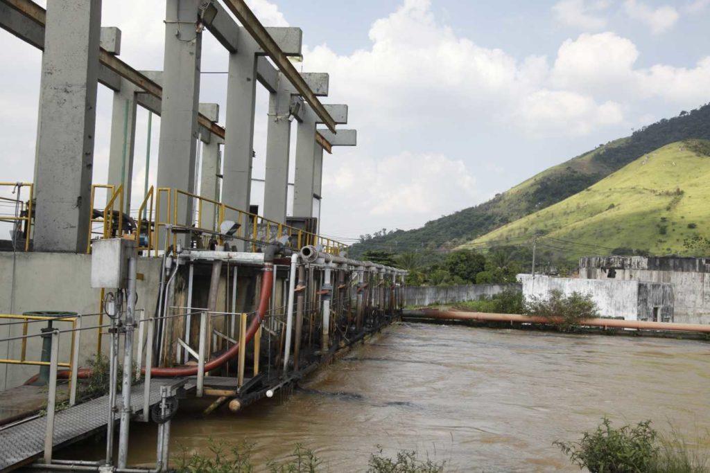 Imagem de uma estação de tratamento do Guandu