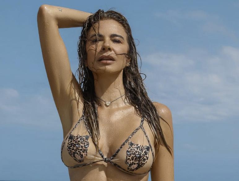 Luciana Gimenez em Ibiza