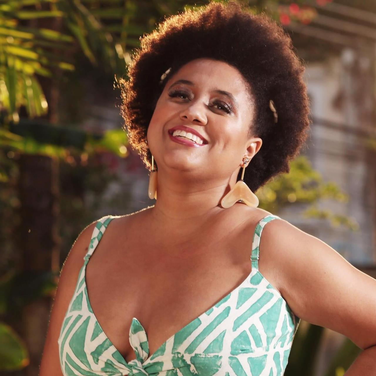 Em fim de semana marcado pelo romantismo, Marina Iris lança sua nova música de trabalho