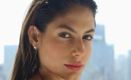 Mari Gonzalez aparece tomando banho e clique bomba na web