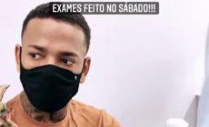 Nego do Borel mostra resultados de exames e nega que transmitiu doença para a ex