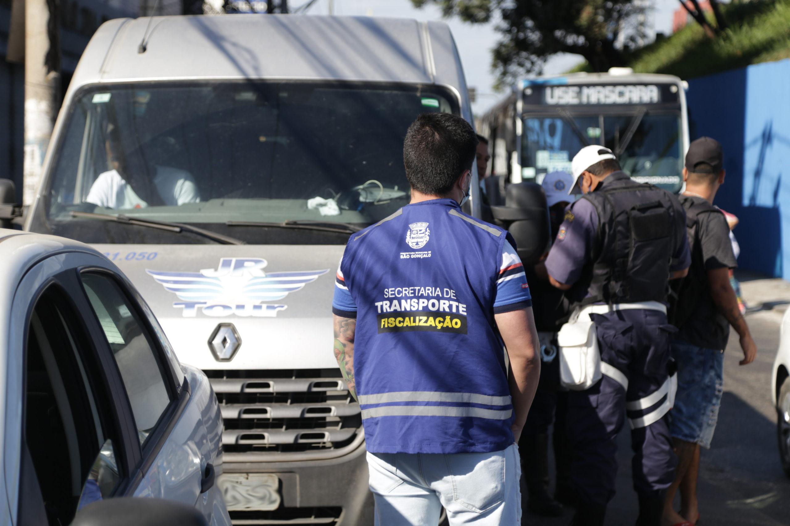 Operação contra transporte irregular de passageiros em Alcântara