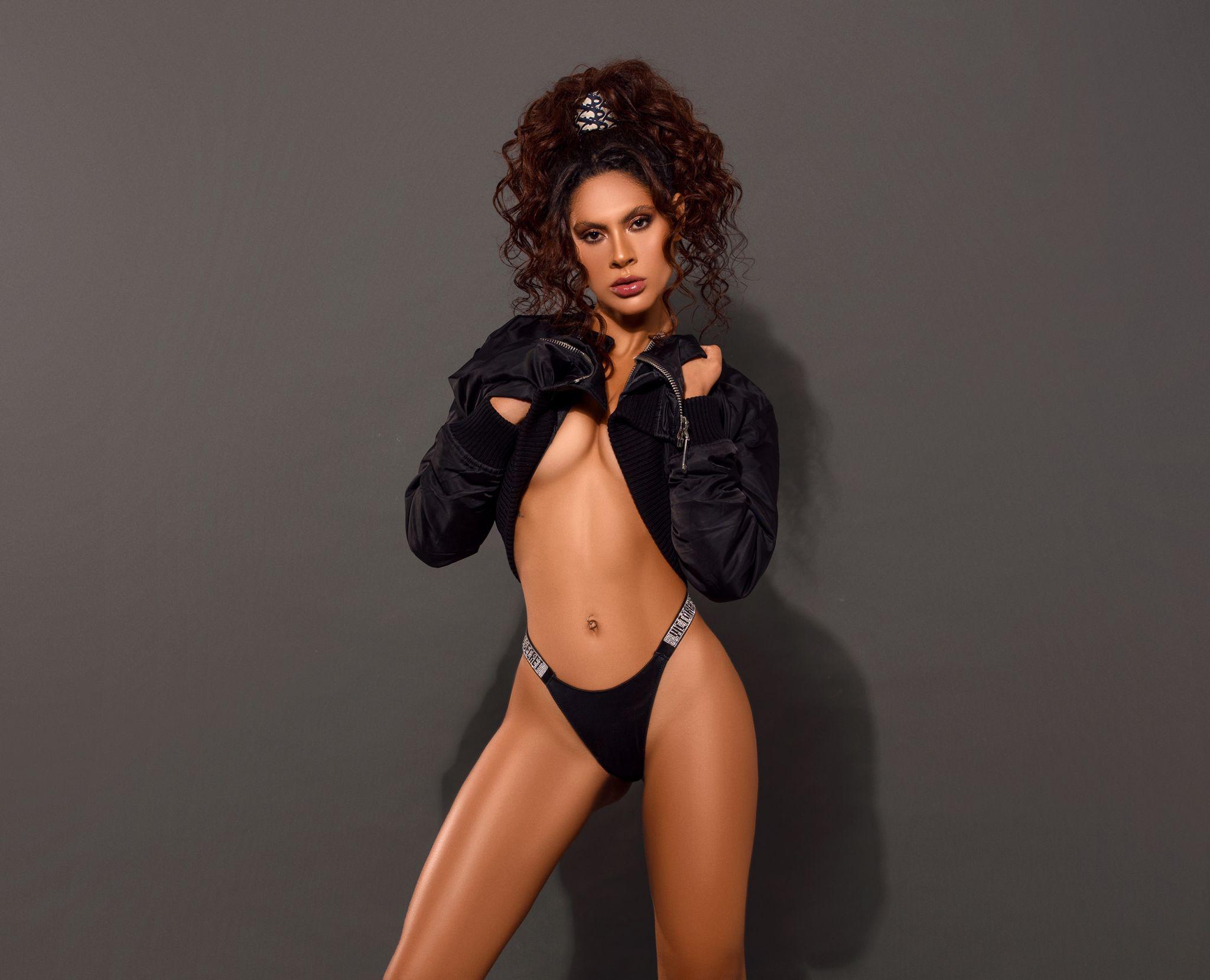 Modelo Cristina Mendonça (Foto: Mari Araújo/ Divulgação)