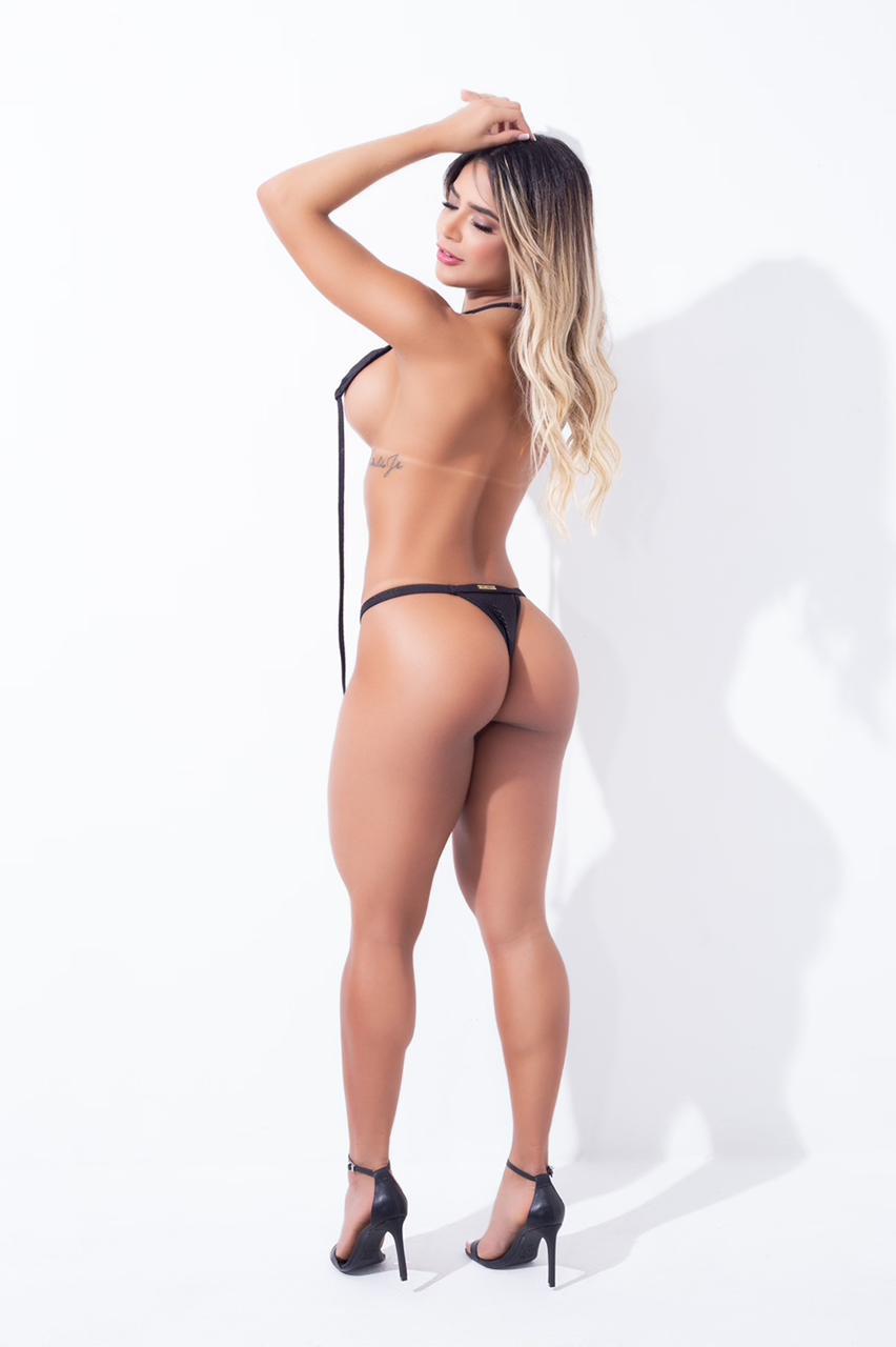 Na imagem, modelo Paula Lima