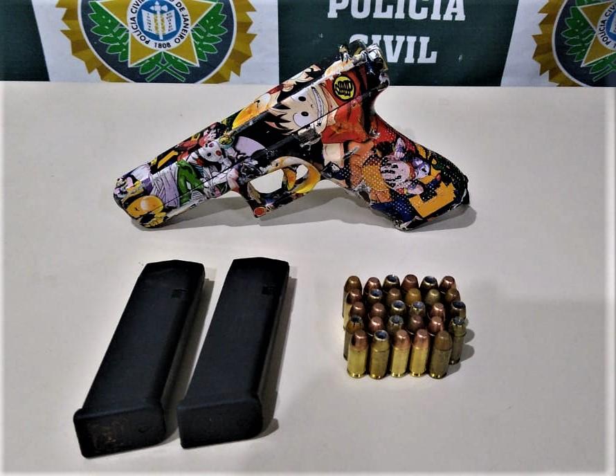 pistola personalizada com imagem de Dragon Ball