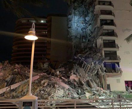 prédio desaba em Miami, nos EUA
