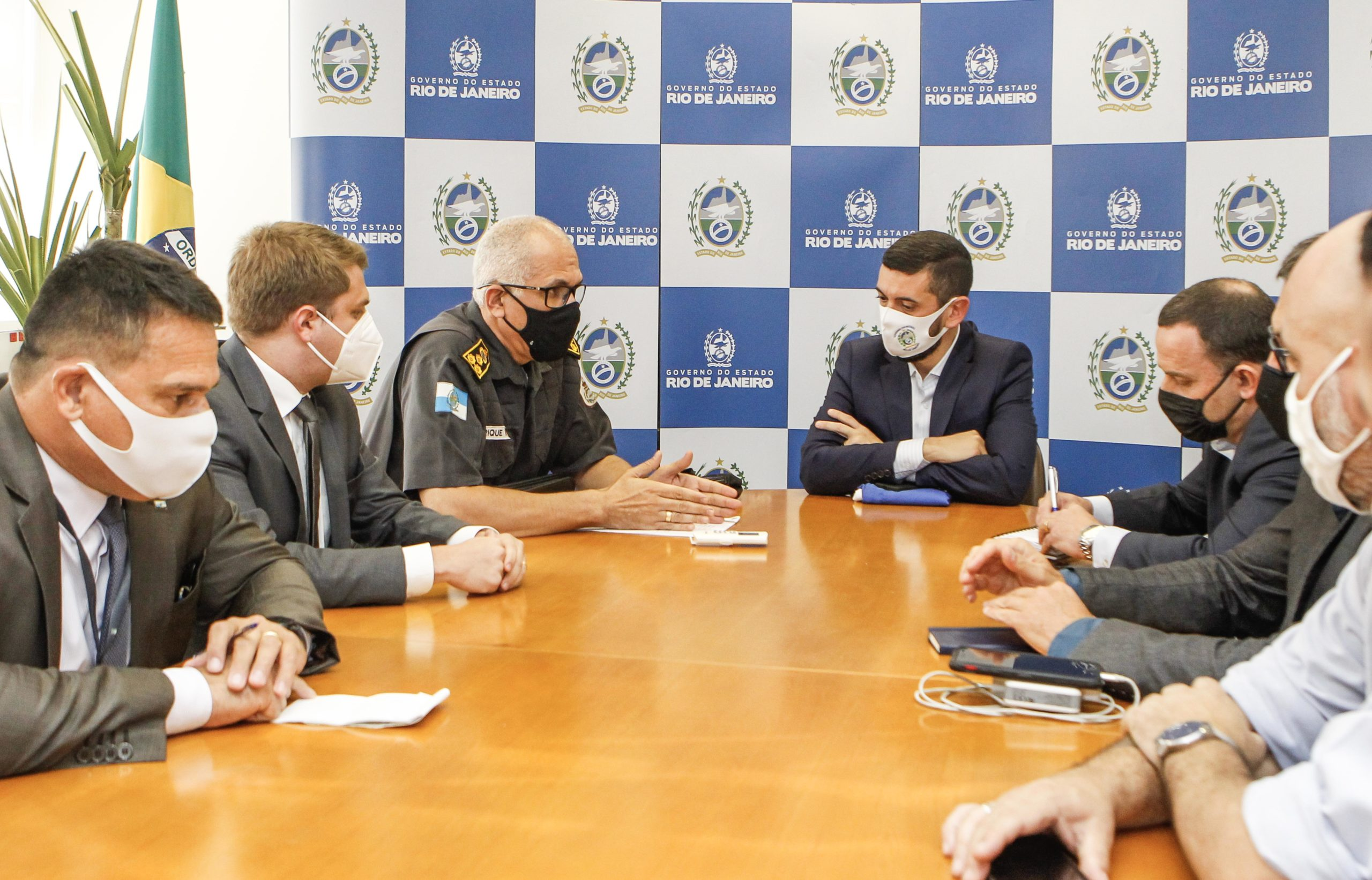 Imagem de uma reunião do Governo do Estado com a Prefeitura