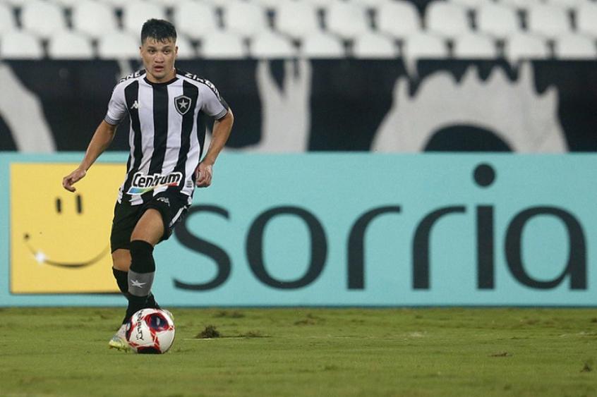 Ronald em ação pelo Botafogo