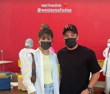 Thyane Dantas e Wesley Safadão no dia da vacinação contra a Covid-19