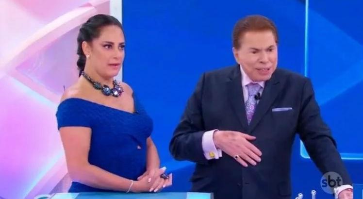 Silvio Santos e a filha Silvia Abravanel no palco do SBT