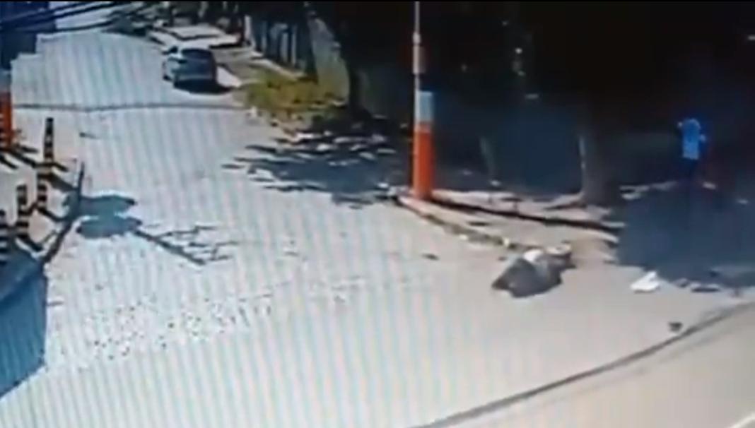 Imagens das câmeras de segurança mostram o segurança baleado