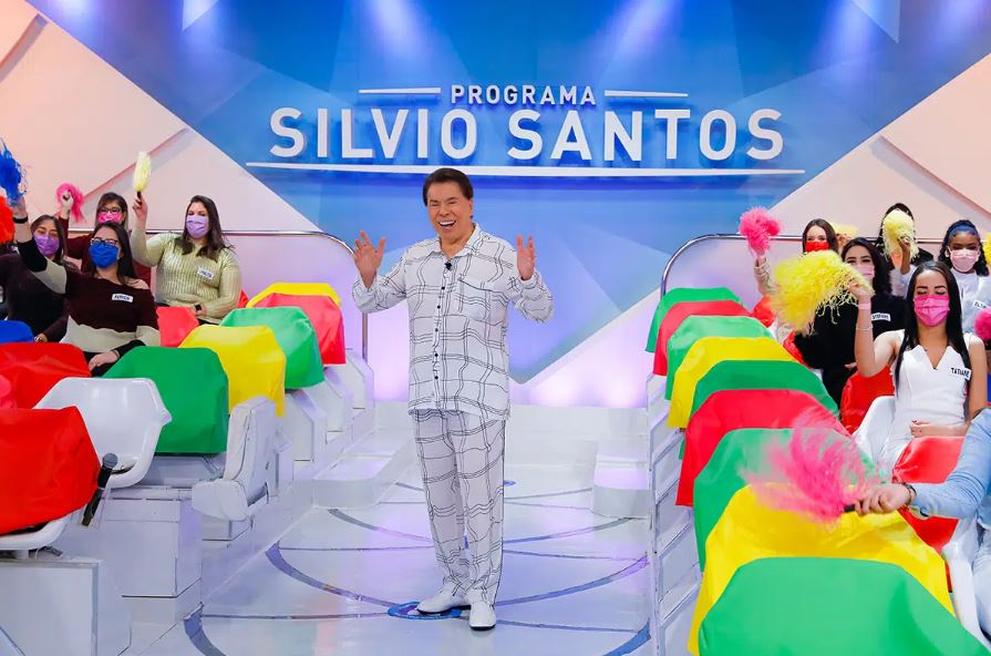 Silvio Santos de pijama