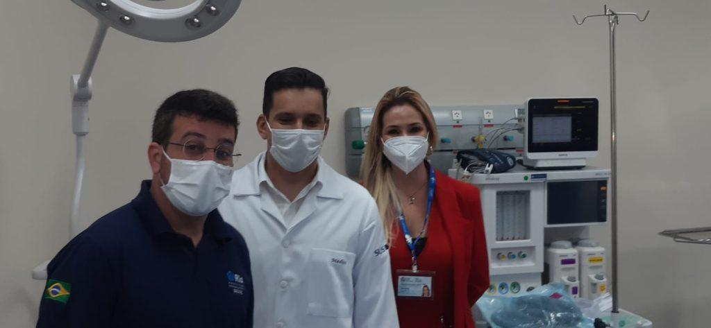 Imagem de Daniel Soranz, da subsecretária e do diretor do Hospital Ronaldo Gazolla