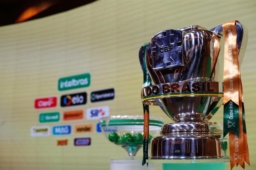 Taça de campeão da Copa do Brasil