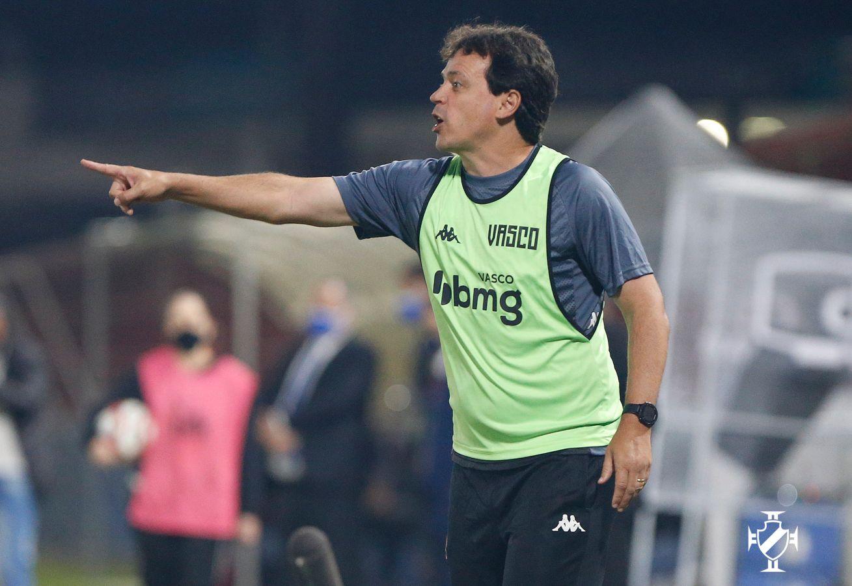 Fernando Diniz conquistou a sua primeira vitória no Vasco diante do Brusque