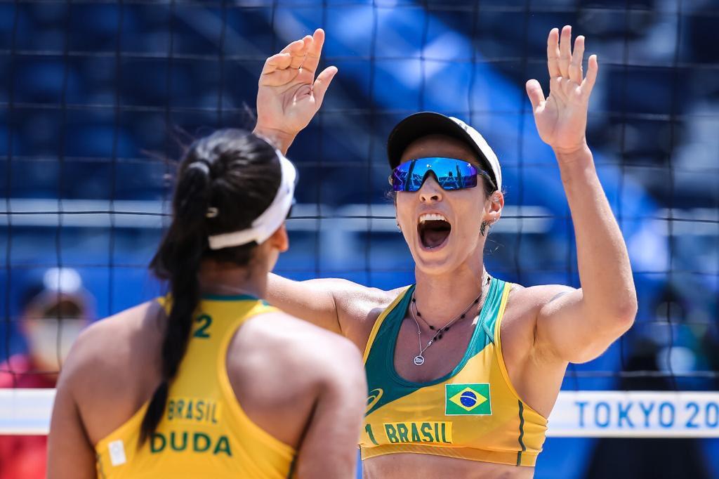 Ágatha e Duda venceram a dupla argentina na estreia