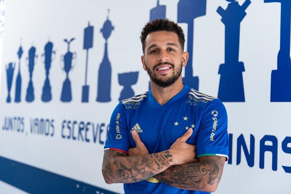 Cruzeiro anuncia a contratação de Wellington Nem