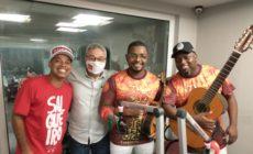 Emerson Dias canta sambas históricos do Salgueiro no Show de Bola