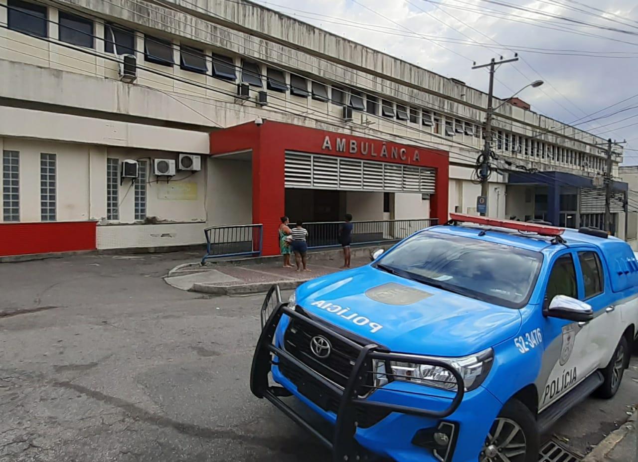 Viatura da Polícia militar no Hospital Getúlio Vargas