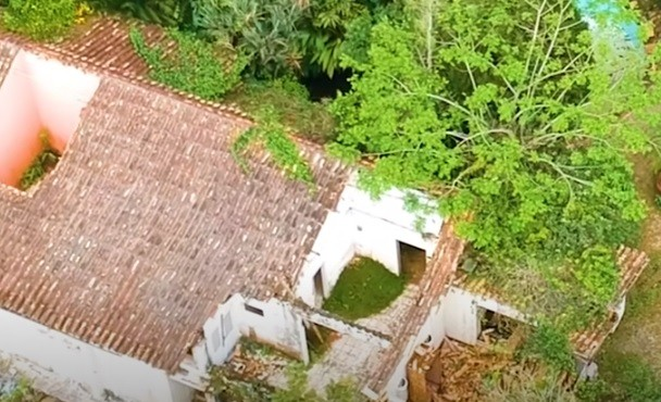 Casa do Clodovil em Ubatuba abandonada