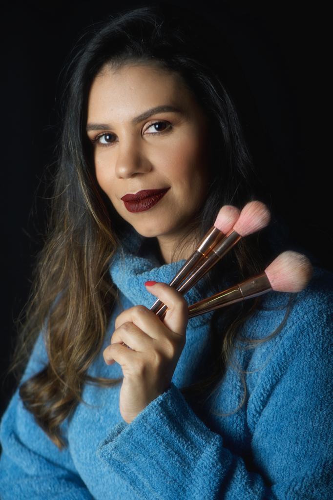 beauty artist Paula Santana