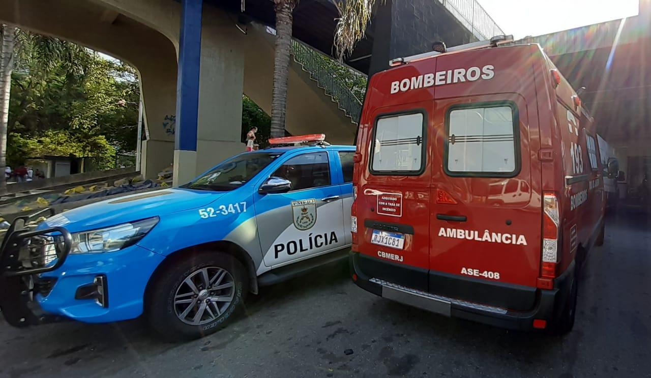 Viaturas da Polícia Militar e bombeiros