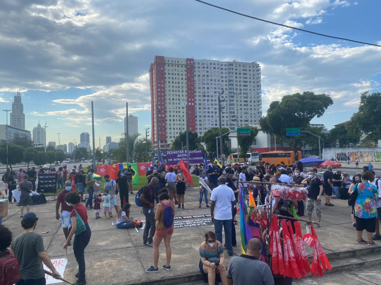 Manifestantes contra o governo federal no Centro do Rio (Foto: Tatiana Campbell/ Divulgação: Super Rádio Tupi)