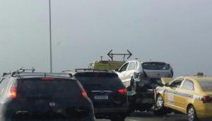 Trânsito na Ponte rio-Niterói