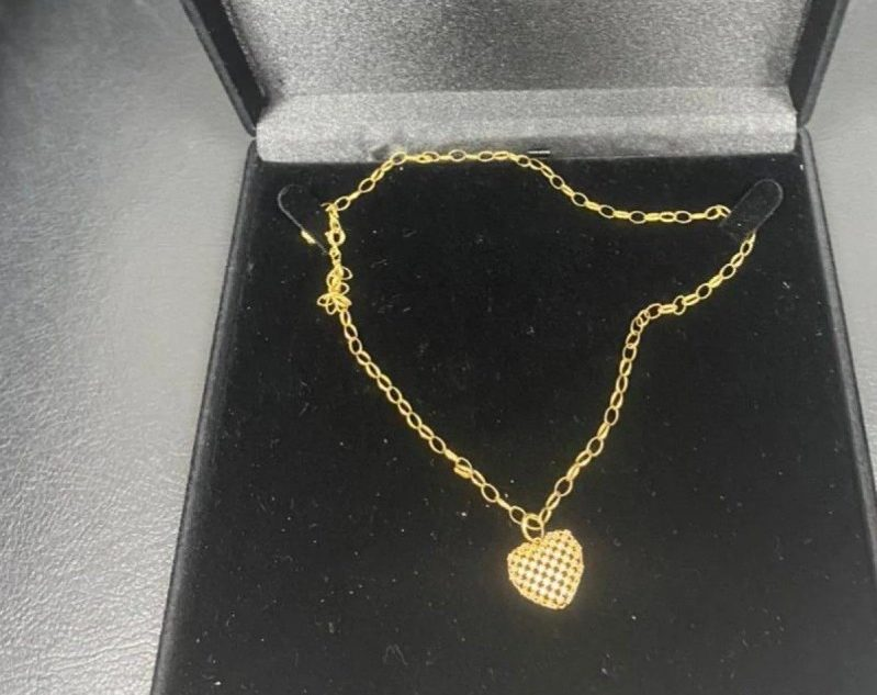 Cordão de ouro apreendido pela Polícia Civil durante operação para prender o miliciano Ecko