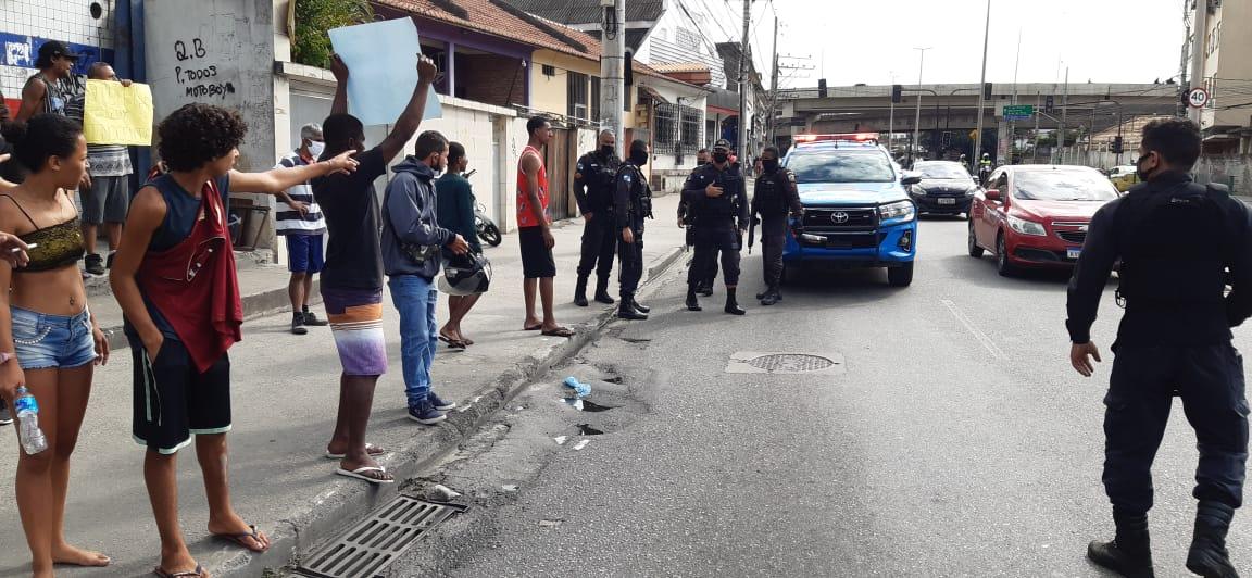 Protestos pela morte de adolescente na Penha