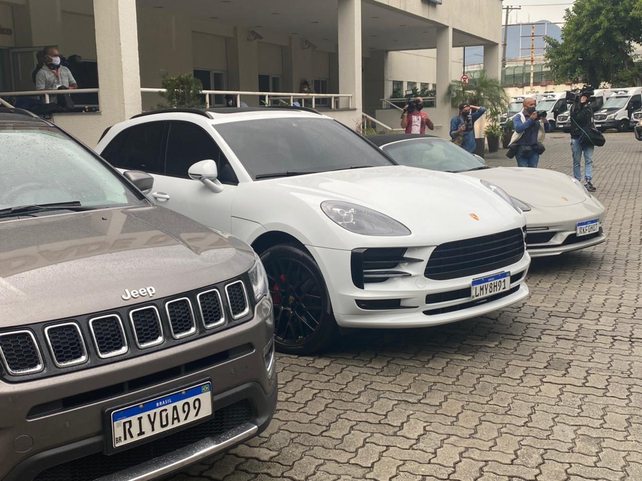 Carros de luxo apreendidos pela Polícia Civil