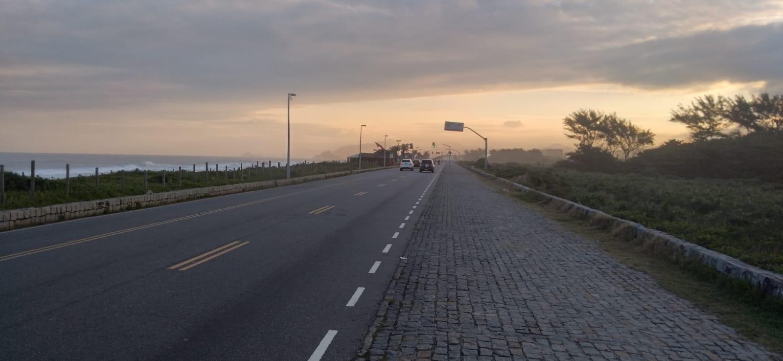 Imagem de uma avenida