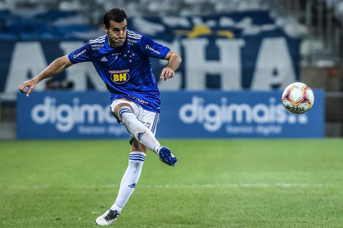 Raúl Cáceres em ação pelo Cruzeiro
