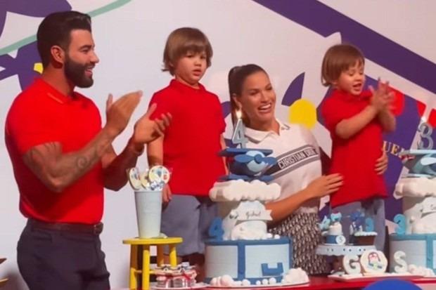 Gusttavo Lima e Andressa Suita cantando parabéns pros filhos