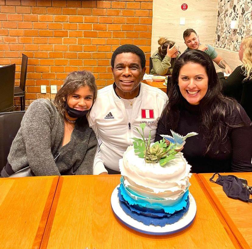 Neguinho da Beija-Flor celebra aniversário animado em família no Rio (Divulgação: Palmer Assessoria)