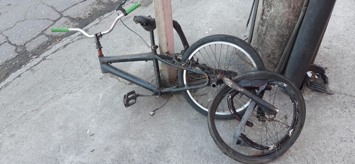 bicicleta ficou destruída
