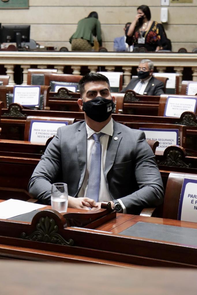 Veja o perfil de Marcelo Diniz, que assume a vaga de ex-vereador Jairinho, cassado na Câmara (Divulgação)