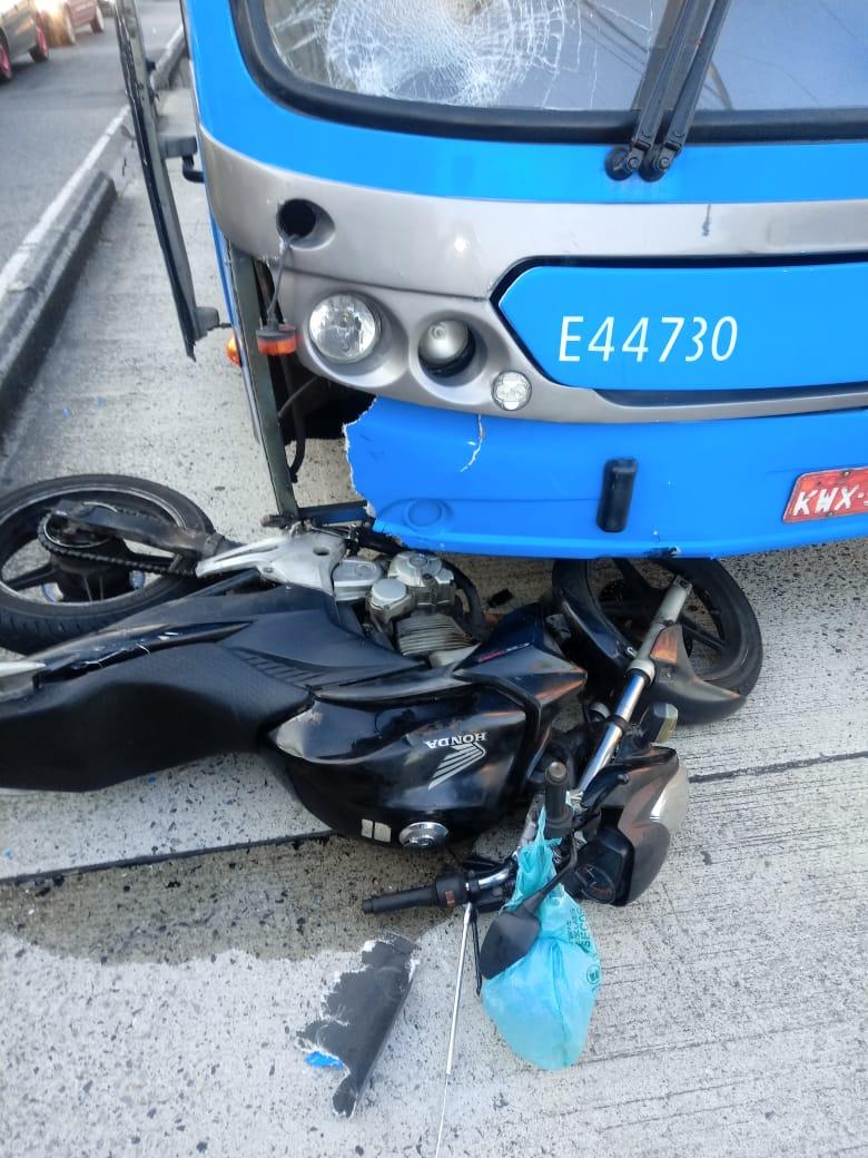 Imagem de um acidente com o BRT