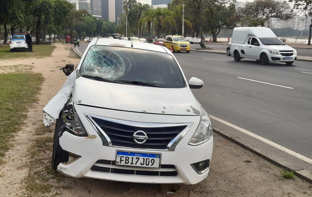 Homem morre atropelado ao atravessar pista na Enseada de Botafogo, Zona Sul do Rio (Foto: Cyro Neves/ Divulgação: Super Rádio Tupi)
