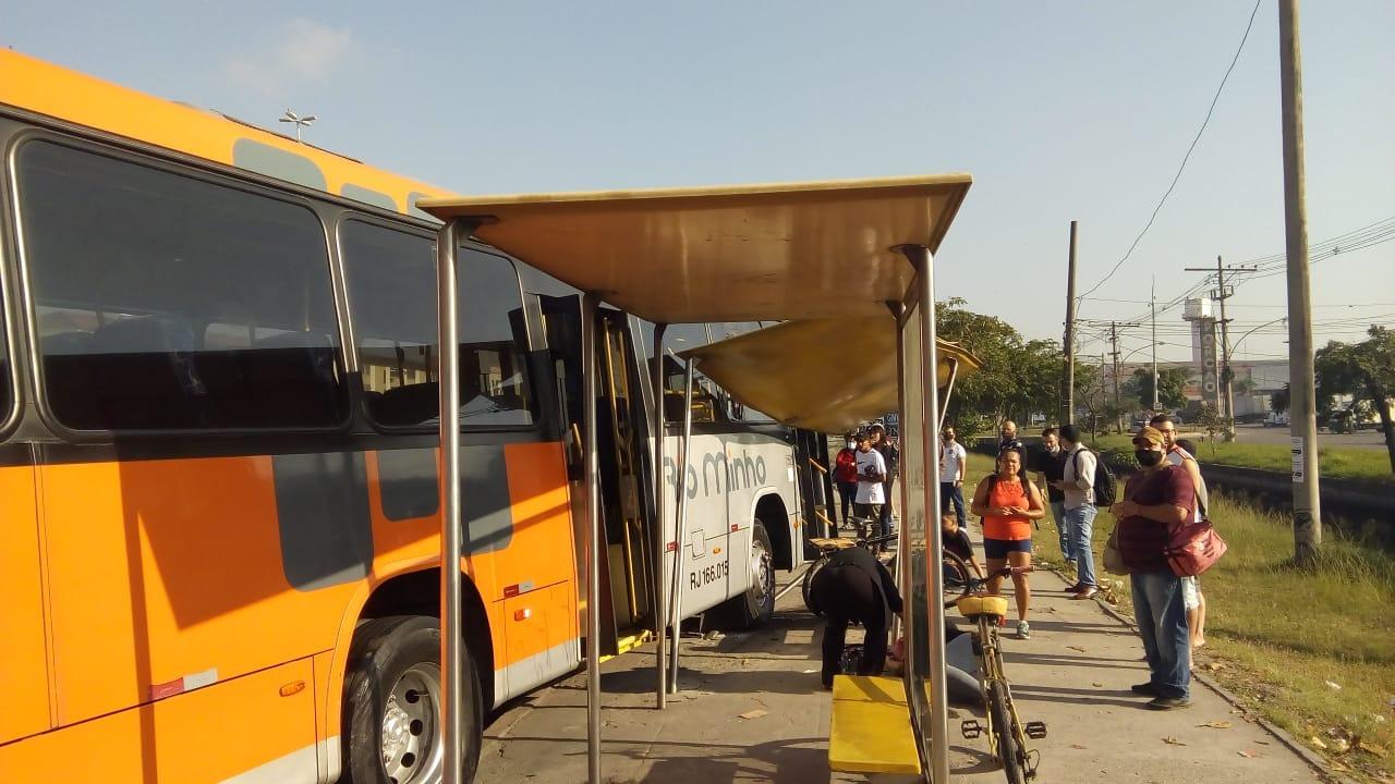 Acidente com ônibus termina com duas mulheres feridas na Zona Norte do Rio (Divulgação)